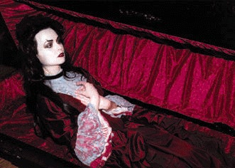 red.babe.in.coffin.jpg
